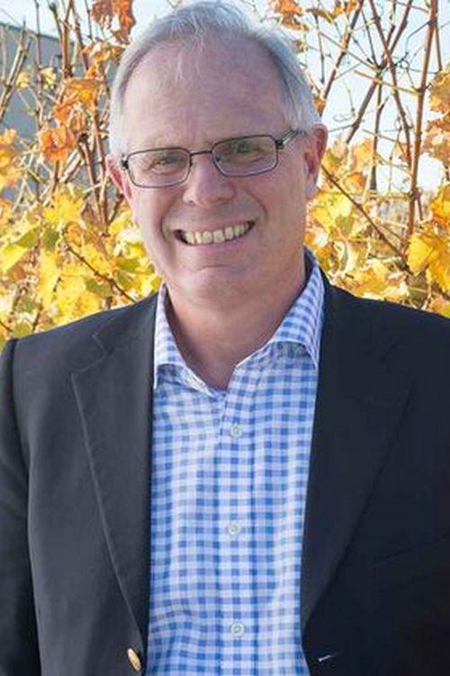 Colin Groves